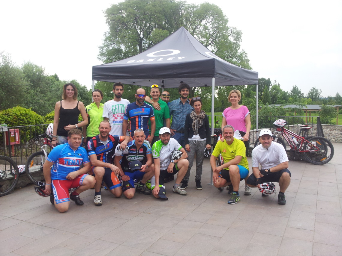 OAKLEY ONE OBSESSION ACTIVE TOUR 2015
